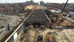 Забетонирован пролет правого проезда путепровода Большого Казанского кольца