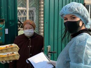 Волонтеры УФСИН развозят одиноким пожилым татарстанцам еду и лекарства