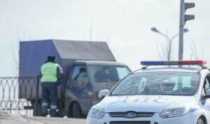 В метель ГИБДД Татарстана просит водителей быть крайне осторожными
