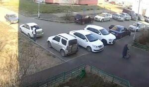 В Казани задержали мужчину, который отобрал у бабушки тележку с продуктами