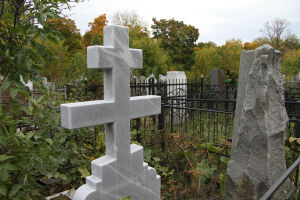 С 6 мая жителям Татарстана разрешат посещать кладбища