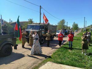 Бывшую узницу фашистских лагерей в Лаишеве поздравили парадом военной техники