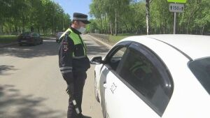 В Нижнекамске проверили наличие масок и перчаток у водителей и пассажиров такси