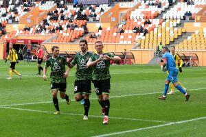 ХК «Нефтехимик» поздравил своих футбольных одноклубников с 5-м местом в ФНЛ