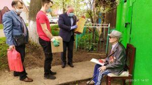 Чистопольский ветеран получил поздравления, подарки и юбилейную медаль