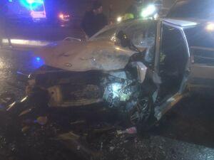 В Казани легковушка вылетела на встречку и снесла два авто, водитель в больнице