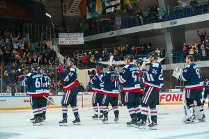 «Нефтехимик» сделал квалификационные предложения трем хоккеистам