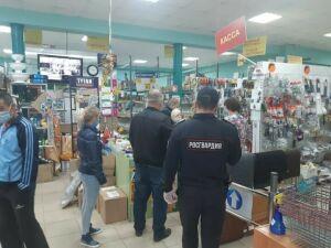Пестречинские магазины получили предупреждения за нарушения масочного режима