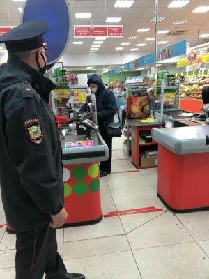 В Менделеевске во время майских праздников провели рейды по магазинам
