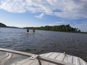 В Татарстане на реке Вятка ищут ребенка, который нырнул в воду и утонул