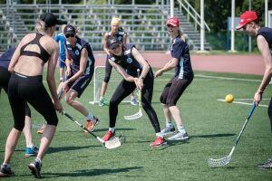 Волейболистки казанского «Динамо» вышли из отпуска и сыграли во флорбол
