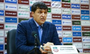 Футбольный «Нефтехимик» продлил контракт с главным тренером Юрием Уткульбаевым