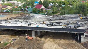 На втором этапе Большого Казанского кольца начали устраивать дорогу под мостом
