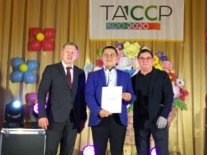 Салават Фатхутдинов в Зеленодольском районе приготовил блины и угостил ими гостей