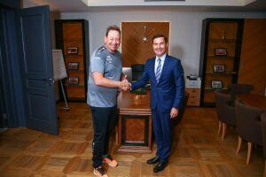 Глава Минспорта РТ посетил базу ФК «Рубин» и наградил работников клуба