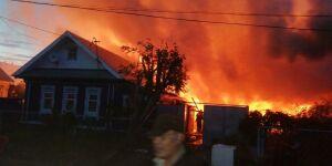 Причины пожара в челнинском поселке Рябинушка устанавливает прокуратура