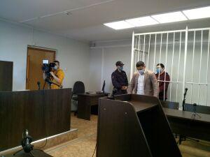 Суд арестовал челнинца, который покалечил мальчика, задевшего его окно веткой