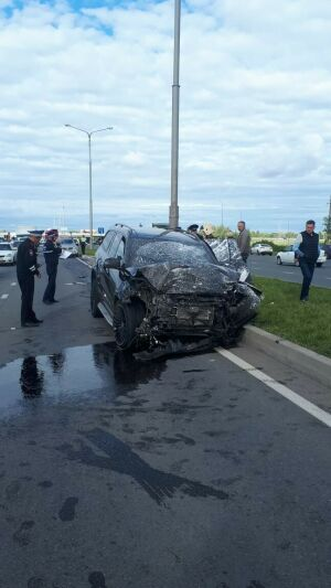 В аварии «Мерседеса» с двумя легковушками в Челнах погиб один из водителей