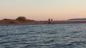 С острова на Каме в Татарстане спасли двоих мужчин, которые остались без лодки