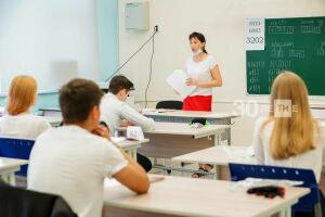 Онищенко назвал главную угрозу предстоящего учебного года