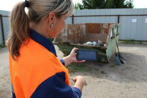 Дворников в РТ «вооружили» планшетами для фотофиксации уборки контейнеров