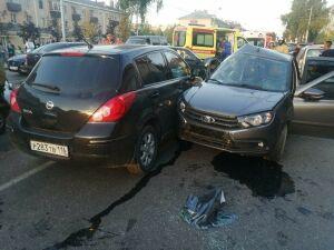 Четыре человека пострадали в массовом ДТП в Альметьевске