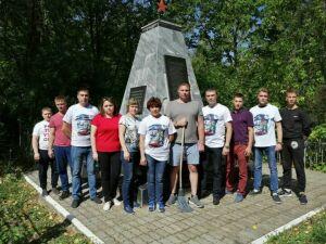Волонтеры Победы благоустроили воинские захоронения в Бугульме