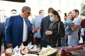 Минниханов осмотрел работы татарских дизайнеров на площадке Tat Cult Fest