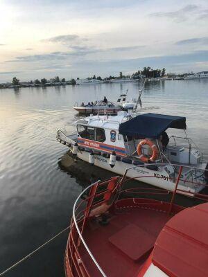 Четверых детей спасли с горящего катера на Волге в Казани