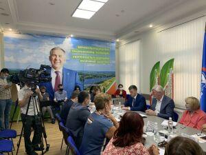 Здоровье подростков и лекции для пожилых: штаб Минниханова встретился с медиками