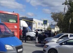 В Казани «ГАЗель» сбила мужчину, который переходил дорогу по «зебре»