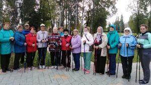 В Буинске возобновились офлайн-тренировки по скандинавской ходьбе
