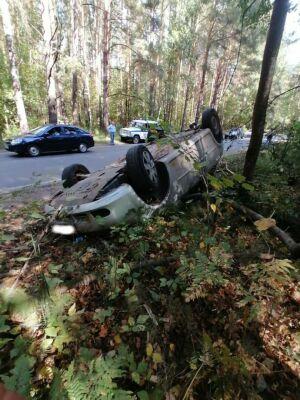 В Нижнекамске выходивший из леса грибник попал под перевернувшееся авто и погиб