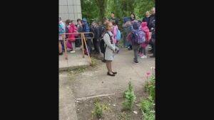 Исполком Челнов выясняет, в какой школе образовалась толкучка из-за термометрии
