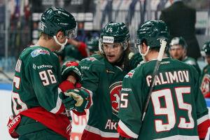 Заброшенные шайбы Зарипова и Тихонова вошли в топ-10 голов недели КХЛ