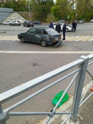 В Казани легковушка после ДТП сбила четырех человек, пострадавшие в больнице