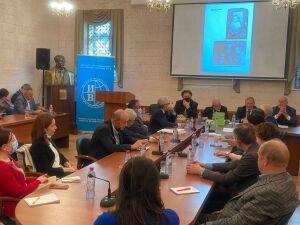 Автор книги о Кариме Хакимове изучит вопрос национальности дипломата