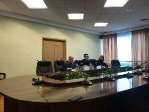 ЖКХ и борьба за детей: прокурор и главный пристав выслушали вопросы жителей РТ