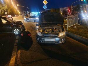 В Челнах водитель легковушки сломал позвоночник в ДТП с другим авто