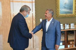 Минниханов и Артизов обсудили направления сотрудничества РТ и Росархива