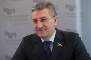 Фаррахов попросил Минтруд России выдавать детям-инвалидам больше подгузников