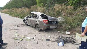 Лихач на «Ладе» попал в больницу, вылетев на скорости в кювет в Татарстане