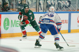 Нападающий «Ак Барса» Найджел Доус провел свой 500-й матч в регулярке КХЛ