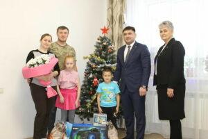 Глава Кукморского района исполнил мечту 9-летней девочки о караоке и колонках