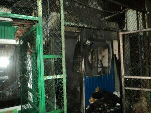 В Казани сгорел ларек по продаже шаурмы