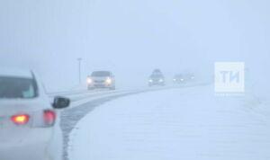 В Татарстане для очистки федеральных трасс от снега задействовали около 200 машин