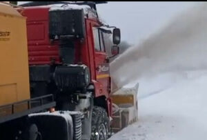 В Нижнекамске продемонстрировали возможности новой снегоуборочной техники