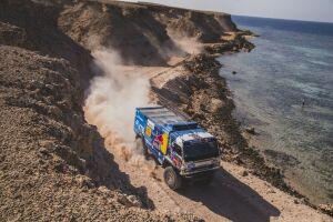 Чех Мацик на Iveco снова выиграл этап ралли «Дакар», опередив экипажи «КАМАЗа»