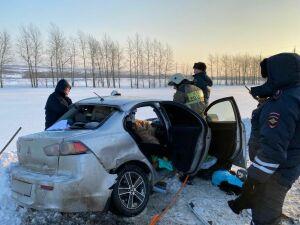 В столкновении двух авто и «КАМАЗа» пострадала супружеская пара