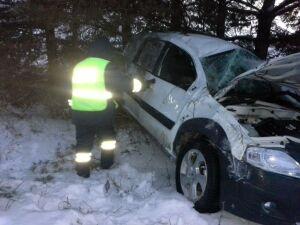 Машина с четырьмя детьми вылетела с трассы в Татарстане, водитель пострадал